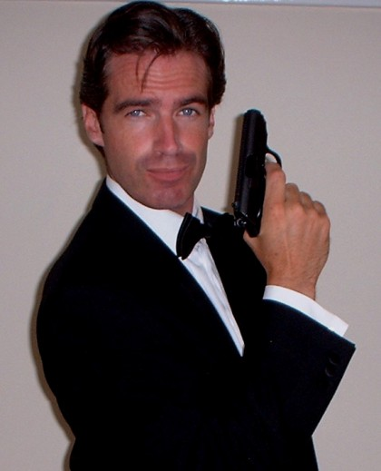 pierce Brosnan lookalike