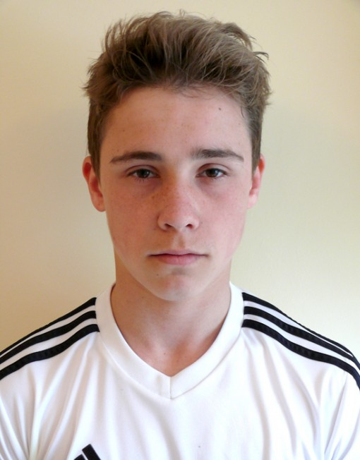 brooklyn beckham lookalike