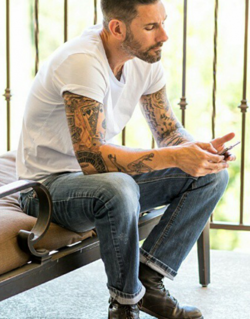 Adam Levine lookalike