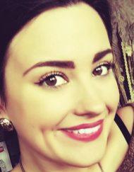 Demi Lovato Lookalike