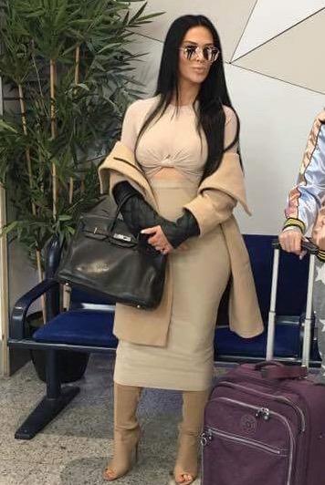 Kim Kardashian Lookalike