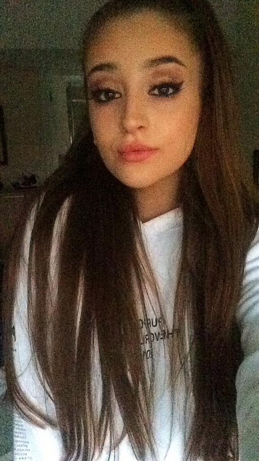 Ariana Grande impersonator