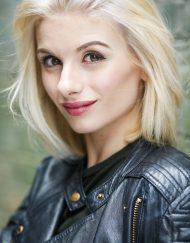 Jodie Whittaker Lookalike