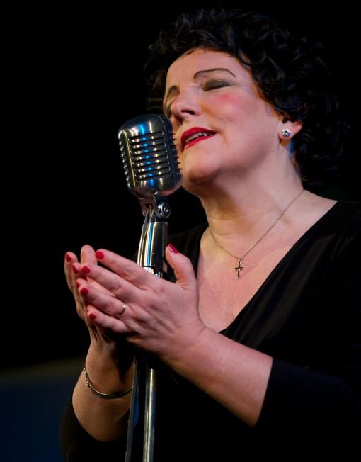 Edith Piath Lookalike