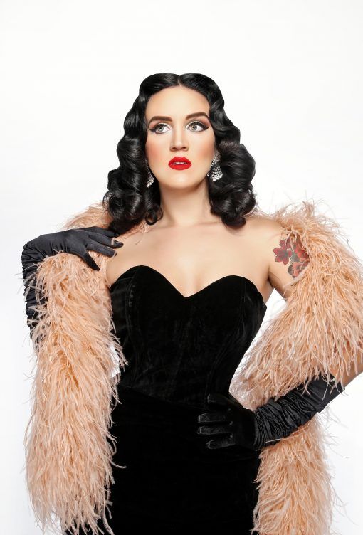 Katy Perry Lookalike (US)
